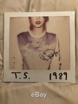 Autographed 1989 vinyl lp Taylor Swift signed