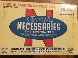 Daniel Clowes Ghost World ENID Hi-Fashion Glamour Vinyl Doll 2003 SIGNED NEW