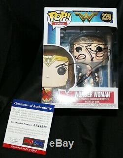 Gal Gadot Signed Wonder Woman Justice League Funko POP PSA JSA