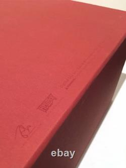 HELLBOY Designer Vinyl RARE Eric So 999 pcs Signed Certificate Mike Mignola