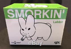 Frank Kozik Signe Kidrobot 10 Gid Vert Labbit Insc Autographed Nouveau Dans La Boîte
