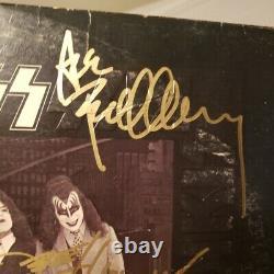 Kiss A Signé Un Album Vinyle Dressed To Kill Gene Peter Paul Ace