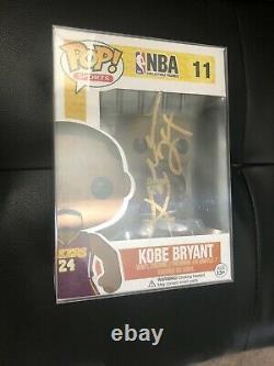 Kobe Bryant Jersey 24 Violet Autographié Funko Pop! # 11 No Coa