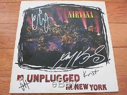 Nirvana Signé En Vinyle Blanc Lp Par 5 Preuve Coa +! Dave Grohl Krist Novoselic Foos